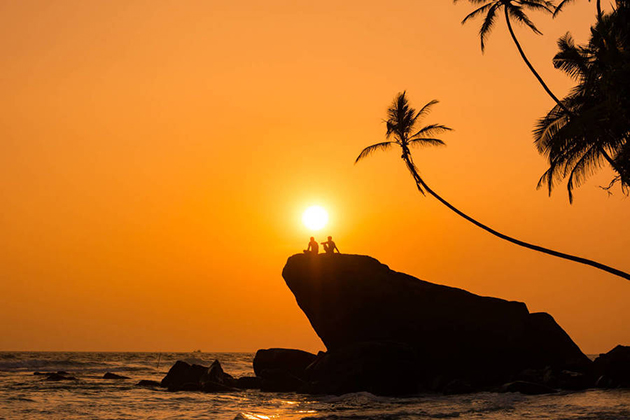 Admire sensational sunset in Dalawella is one of the best things to do in Sri Lanka