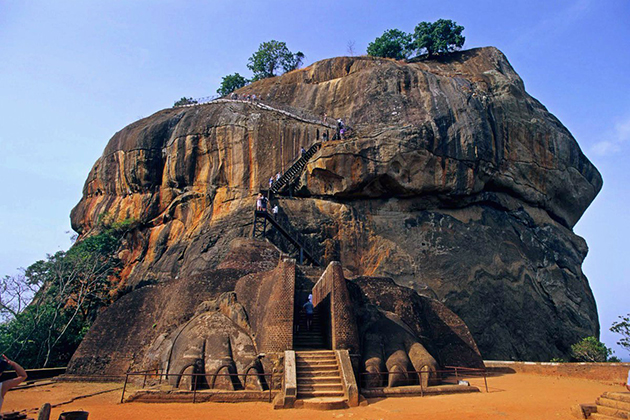 Climb Sigiriya Lion Rock in Sri Lanka