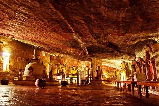 Dambulla Cave Temple - day excursions in sri lanka