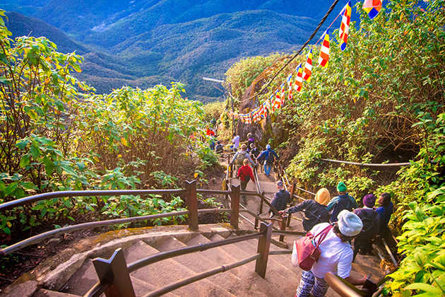 Hike up Adam Peak is a nice thing to do in Sri Lanka