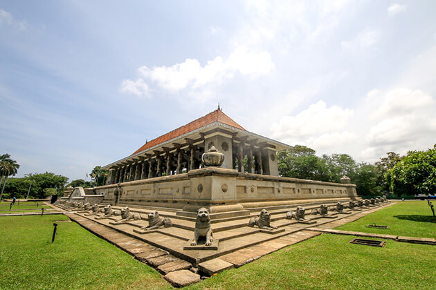 Independence Memorial Hall - galle fort attractions