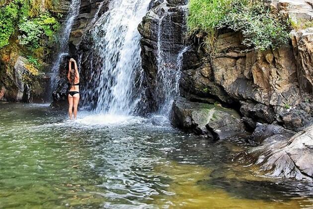 Ravana Waterfalls - holiday in sri lanka