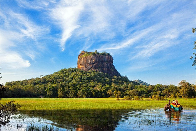 Sigiriya Rock Fortress Family Tour