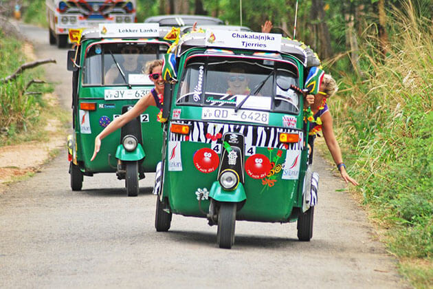 Tuk-tuk Drive - sri lanka day tours colombo