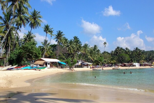 Unawatuna Bay - classic vacation in sri lanka 8 day