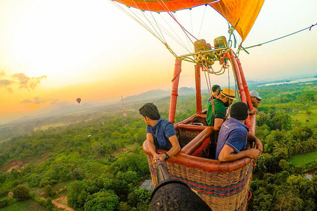 hot air balloon - family tours to sri lanka