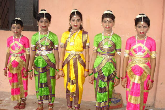 sri lanka traditional dress for female